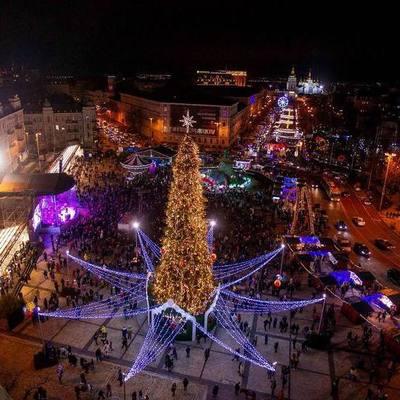 Без концертов, но с праздничным маршрутом: подробности празднования Нового года в Киеве
