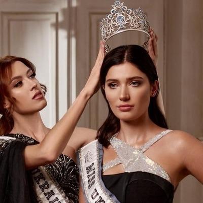 Киевлянка Елизавета Ястремская получила титул «Міс Україна Всесвіт-2020»: что о ней известно