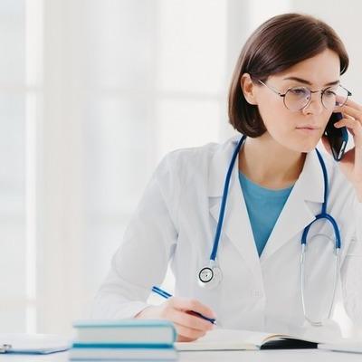 На «горячей линии» МОЗ теперь можно получить консультацию врача: как это сделать