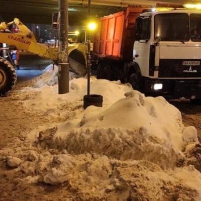 Из Киева за сутки вывезли почти четыре тысячи тонн снега
